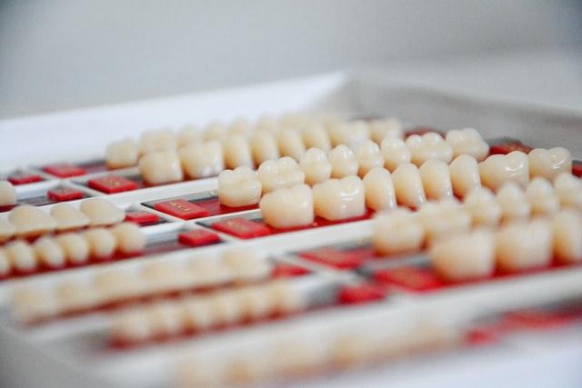 dental veneer teeth pros and cons